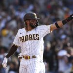 Tatis exits injured, Padres with 7-5 win