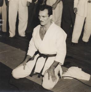 Helio-Gracie-Founder-of-Brazilian-Jiu-Jitsu-295x300