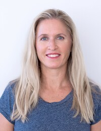 Cheryl McNeight, orthopaedics, sports, injuries, IMS, dry, needling, FCAMPT, Village Physiotherapy