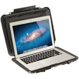 Pelican Hardback 1070CC Macbook Case