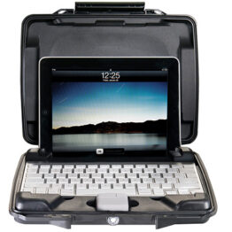 Pelican Hardback i1075 Watertight iPad Case