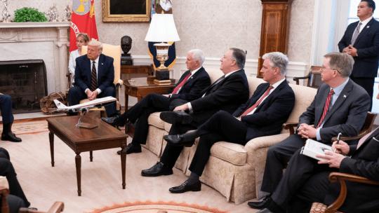 https://www.flickr.com/photos/whitehouse/50248839367/