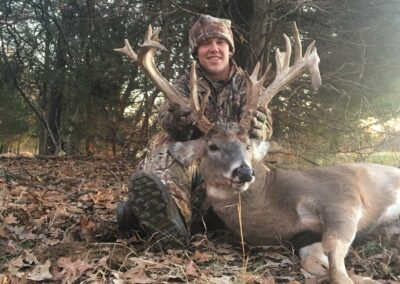 Trophy Whitetail Hunt MO