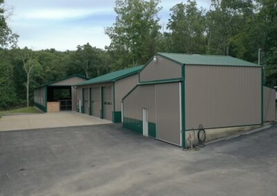 Twin Lakes Whitetails Hunting Facility