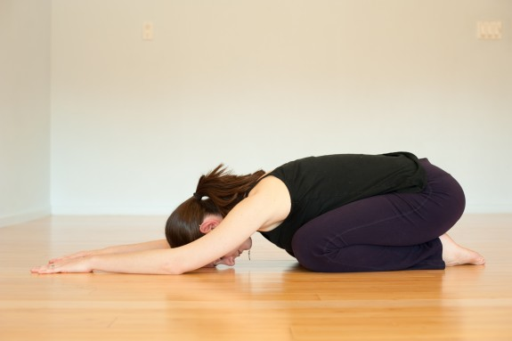 yoga to stop binge eating