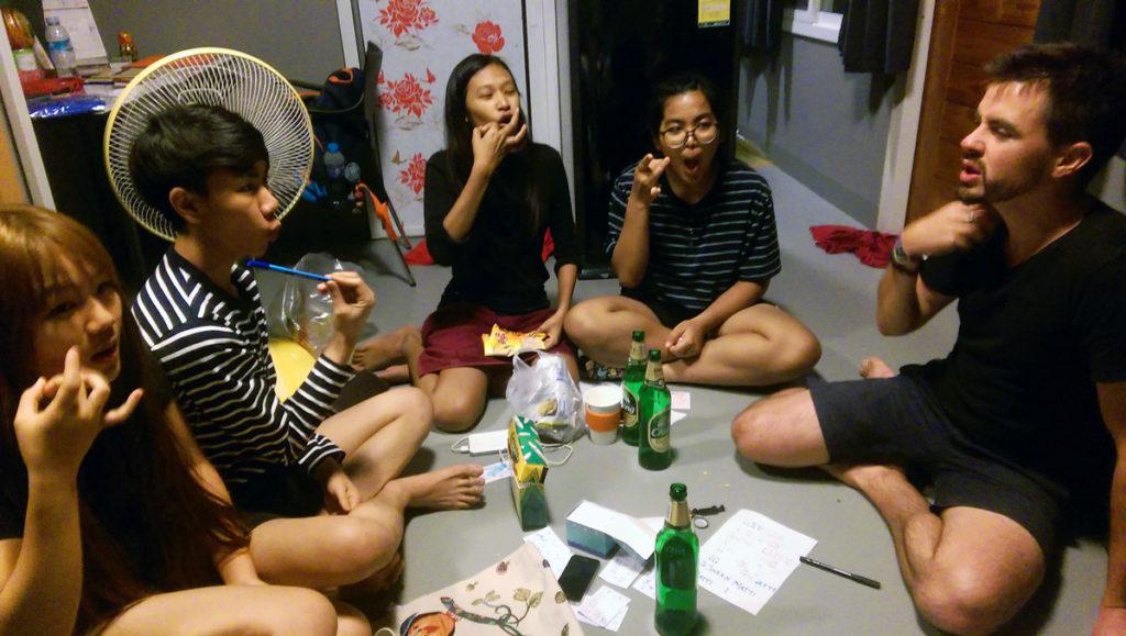 couchsurfing_halfchachiangrai2