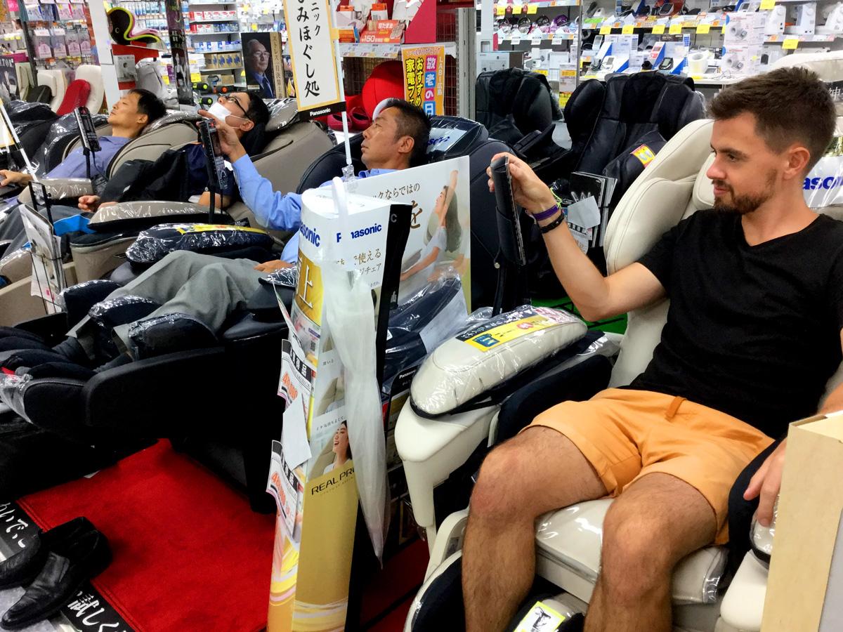 Free massage | 6 Money Saving Tips for Traveling Japan