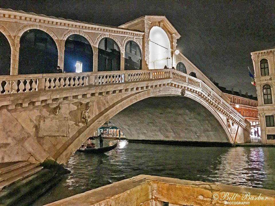 Rialto-Bridge-at-night-web.jpg