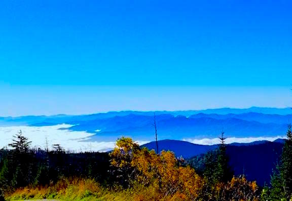 Expansive view from Clingmans Dome parking lot at Great Smoky Mountains National Park