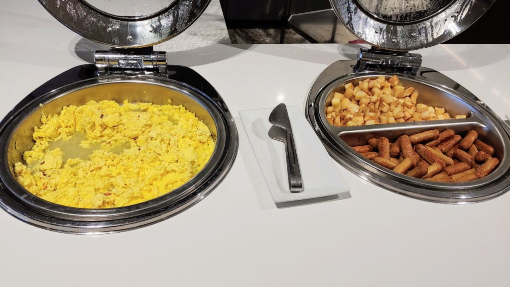 Lounge Breakfast