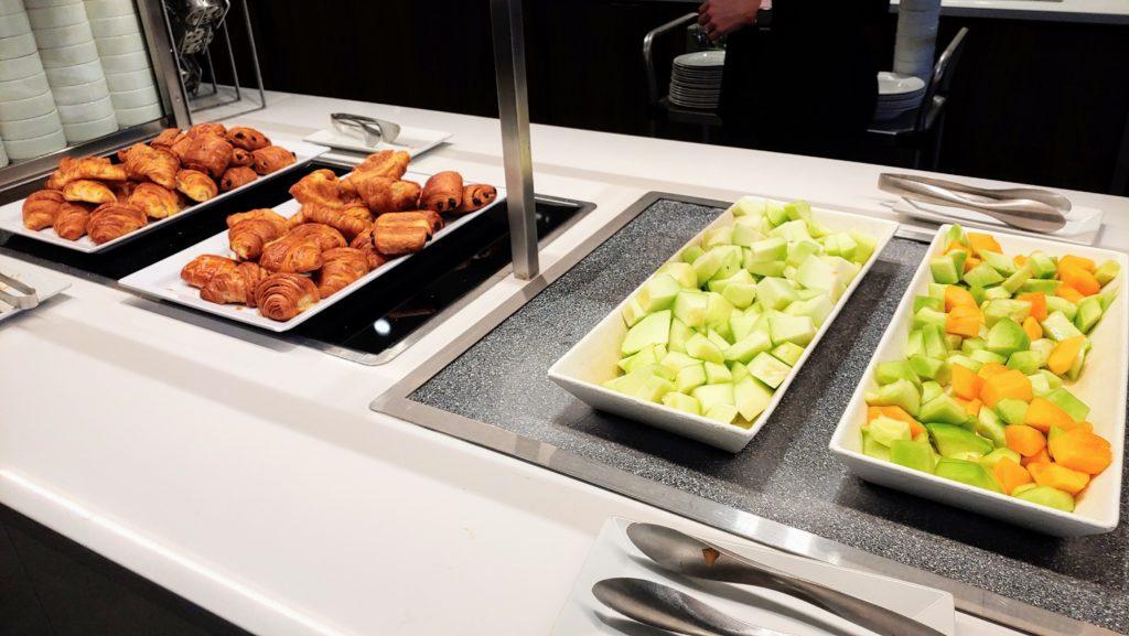 Breakfast Maple Leaf Lounge