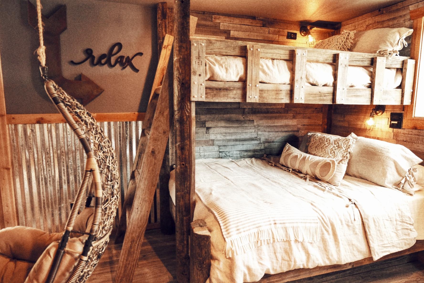 bunk beds in glowing embers b&b