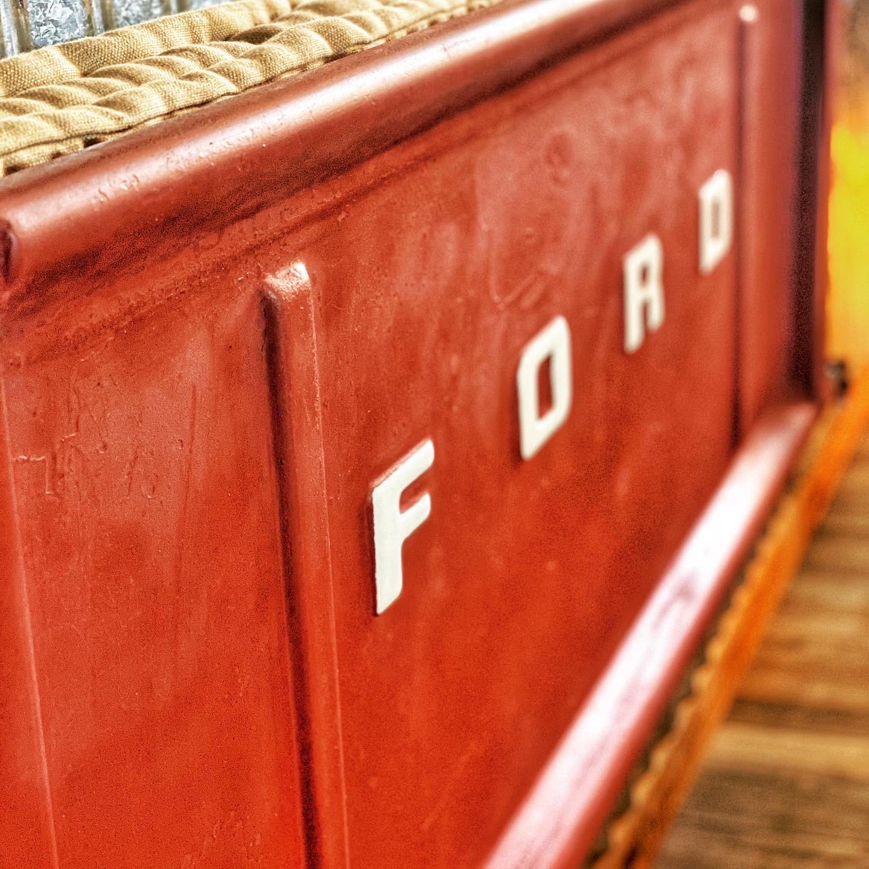 rockwood-waters-fredericksburg-tailgate-seat-ford