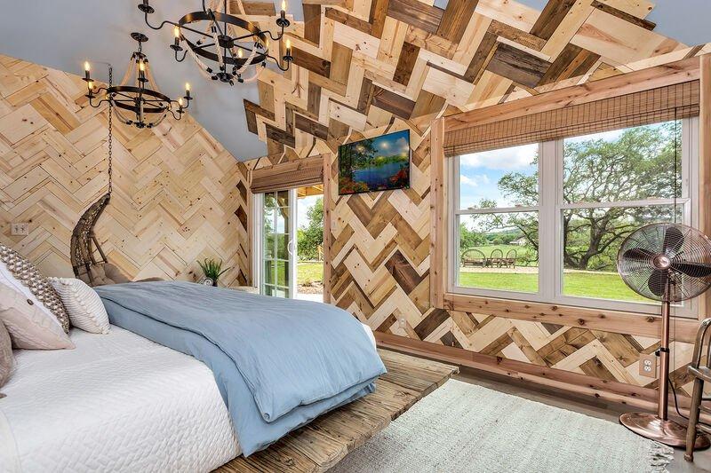 AC-Bedroom 1
