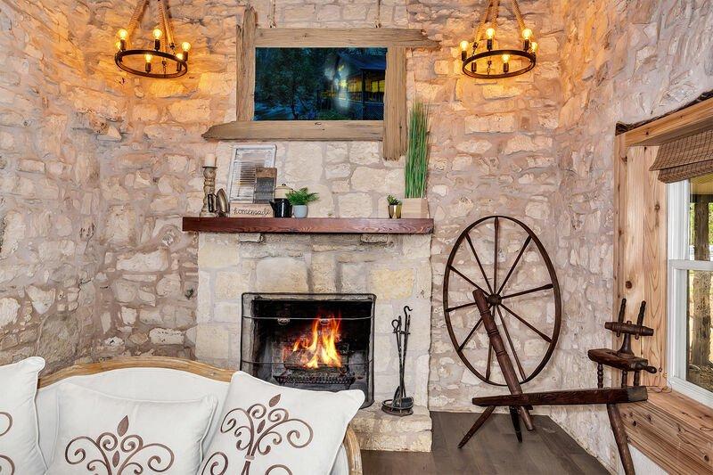 AC-Fireplace