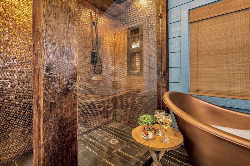 AC-Full Bathroom 2