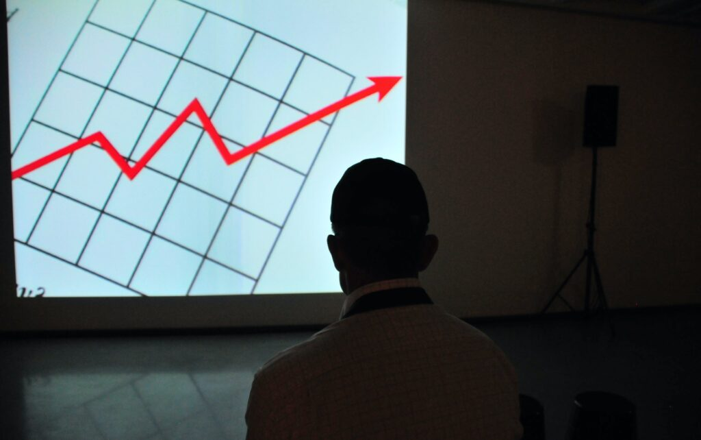 Forecasts yang ngga akurat adalah salah satu penyebab excess stock.