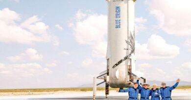 El fundador de Amazon Jeff Bezos realizo su primera misión tripulada al espacio