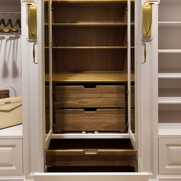 gallery-james-bloom-cabinetry-design-closet-interior-0717-1