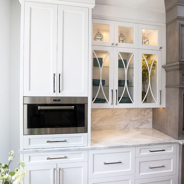 gallery-james-bloom-cabinetry-design-kitchen-cabinets-closed