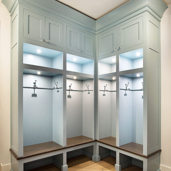 gallery-james-bloom-cabinetry-design-master-closet-2