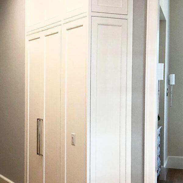 gallery-james-bloom-cabinetry-design-mcgovern-closet-no-bg