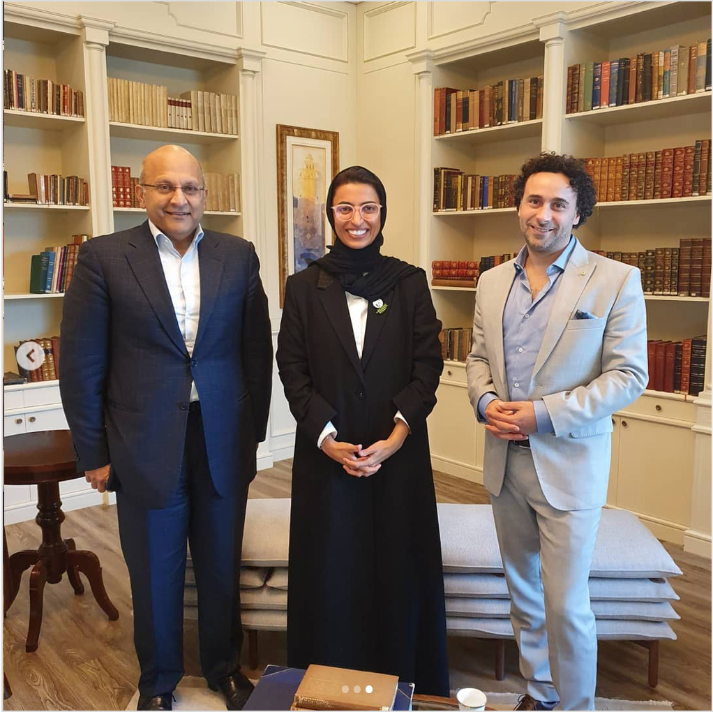 Ralph Heimans visits the Ministry of Culture & Knowledge Development and meets H.E. Noura Al Kaabi, Minister of Culture & Knowledge Development UAE