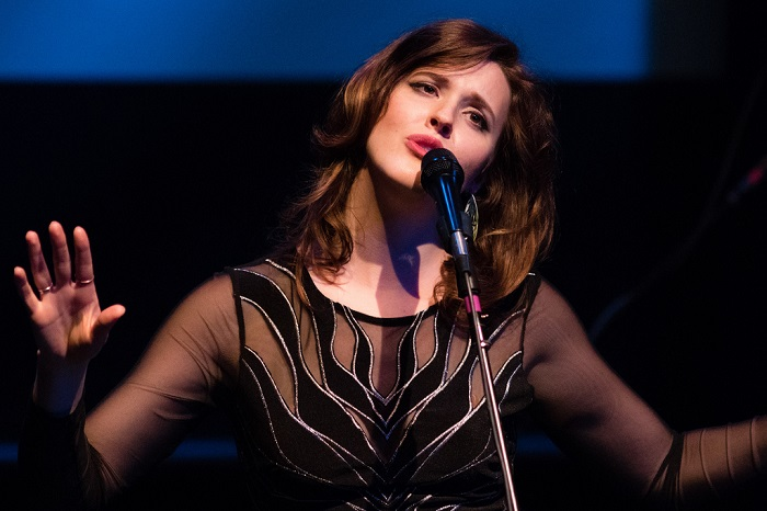 Singer, songwriter, Halie Loren