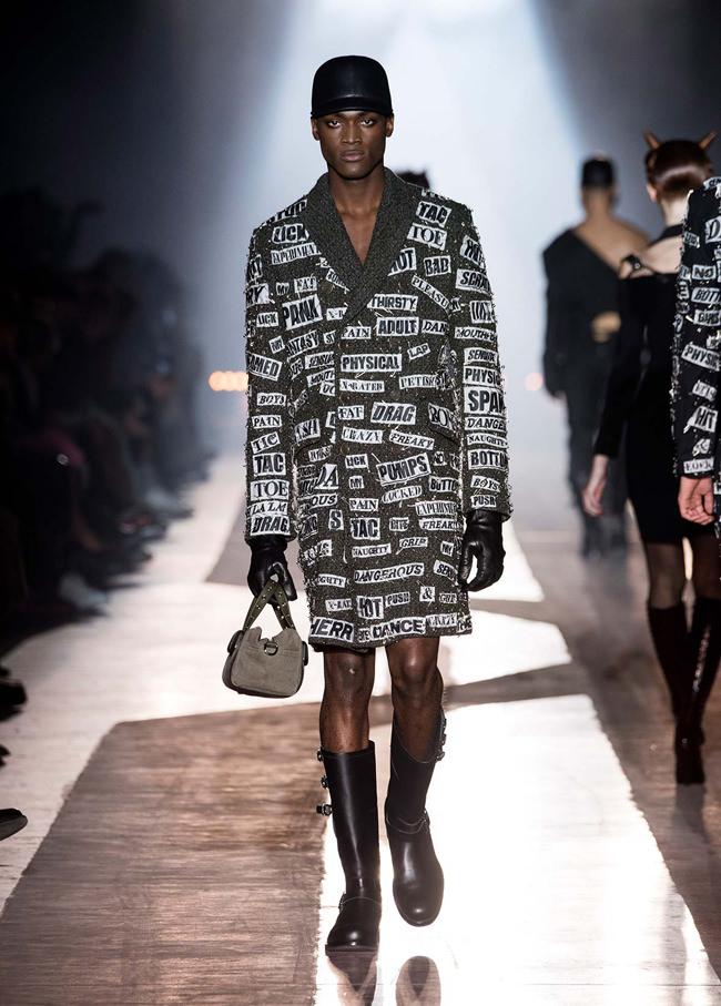Moschino, Fall 2018 Menswear Collection-Runway-Milan-Fashion-Week