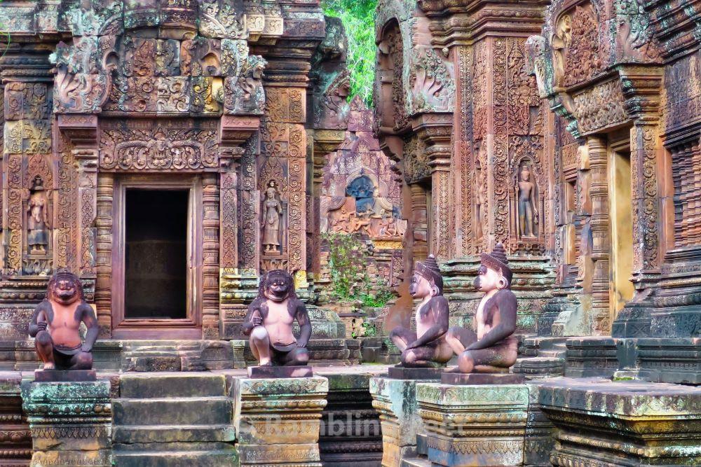 Guarding Banteay Srei: A Paradox