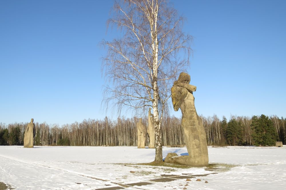 salaspils memorials sculptures