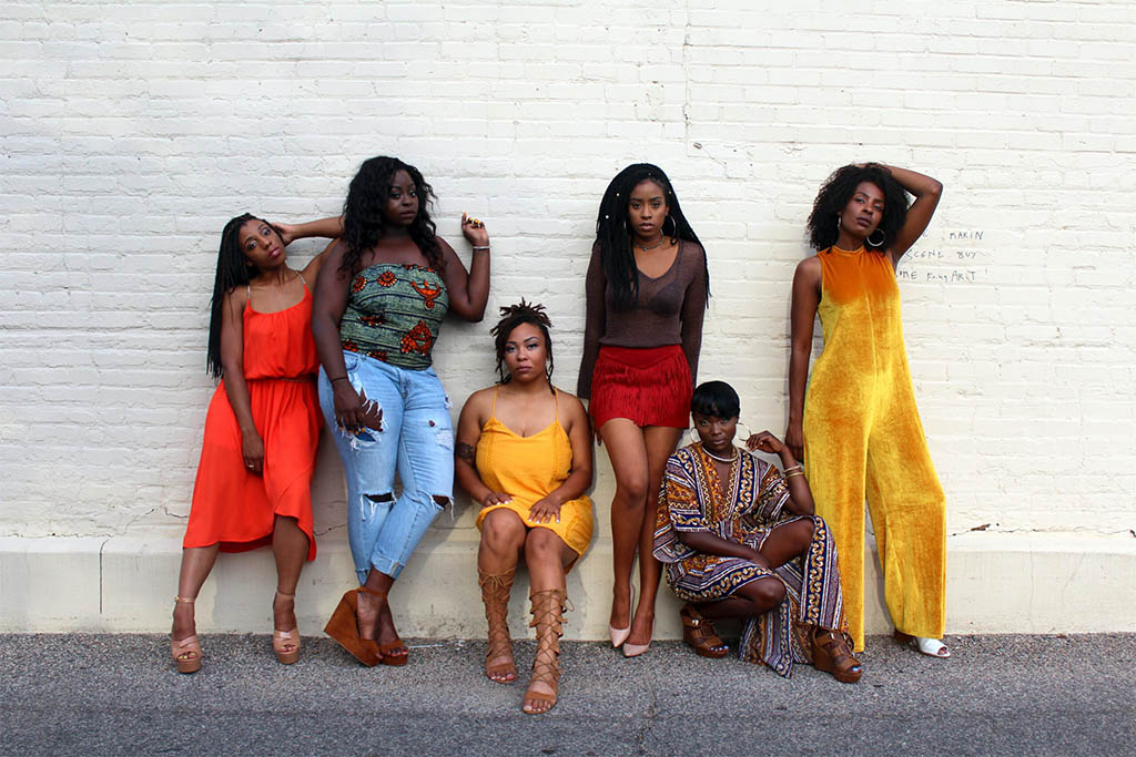 women dressed in African fashion