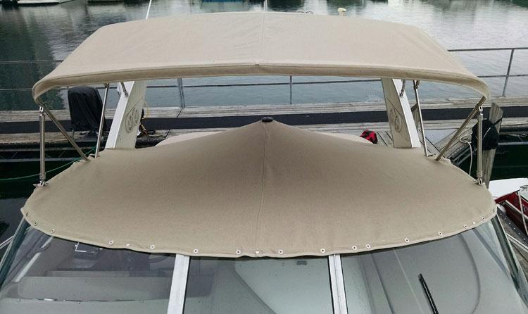 CBayliner Ciera 3055 Cockpit Cover in Sunbrella Tresco Linen
