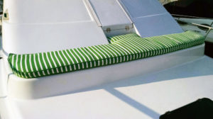 bow-cushion-long
