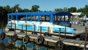 2017 International Achievement Award Powerboat Rigid Enclosures Chicago Marine Canvas