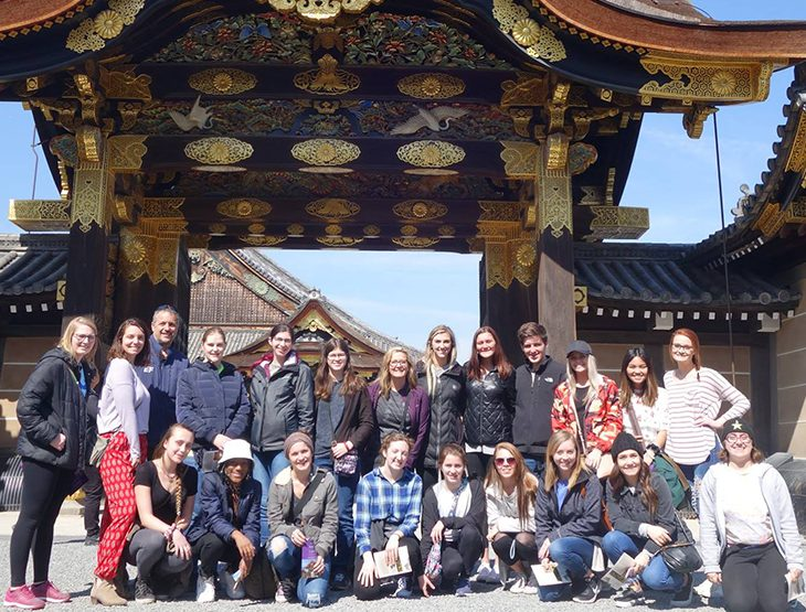 Woods around the world group posing in Kyoto