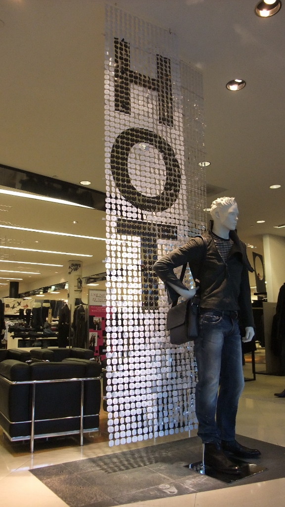 Bloomingdales Aventura HOT Sale Displays (2) (576x1024).jpg