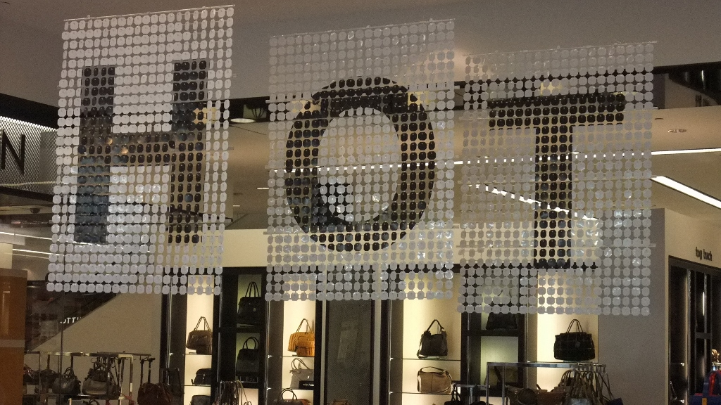 Bloomingdales Aventura HOT Sale Displays (8) (1024x576).jpg