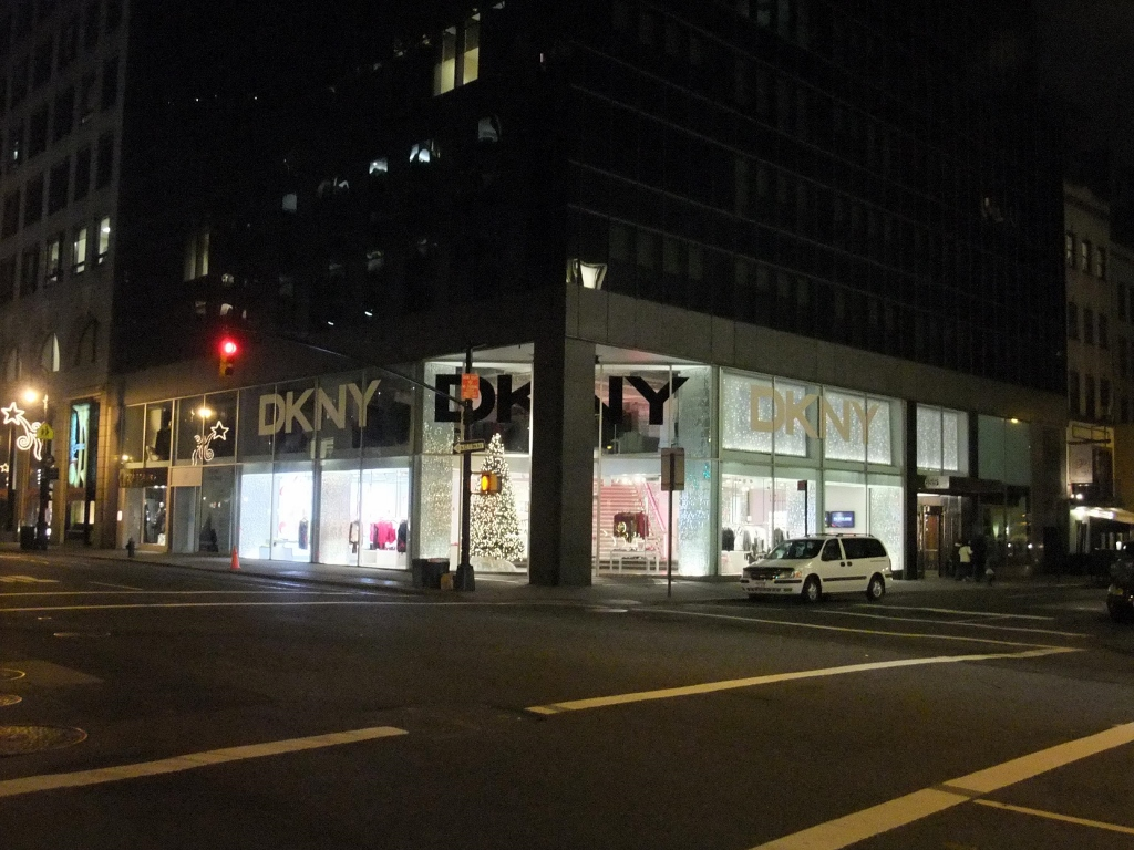 DKNY Madison 62 Store Facade Night 2 (1024x768).jpg