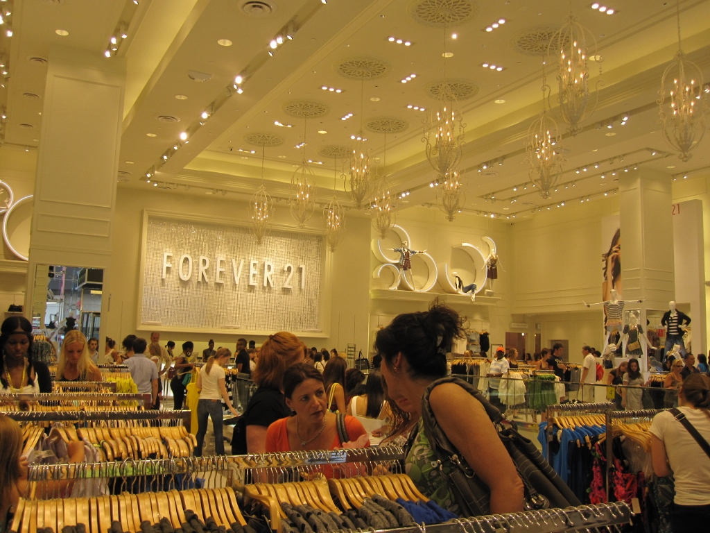 Forever 21 SolaRay Time Square 2 (1024x768).jpg