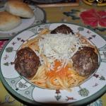 Linguine with Marinara Sauce and Meatballs, Rolls, and Apple Crisp