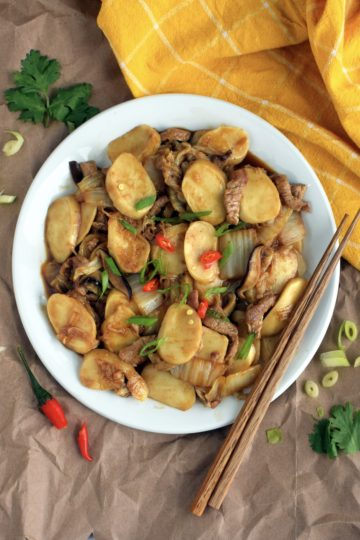 Stir-fried Rice Cakes (炒年糕)