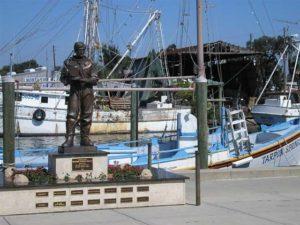 Tarpon_Springs_statue
