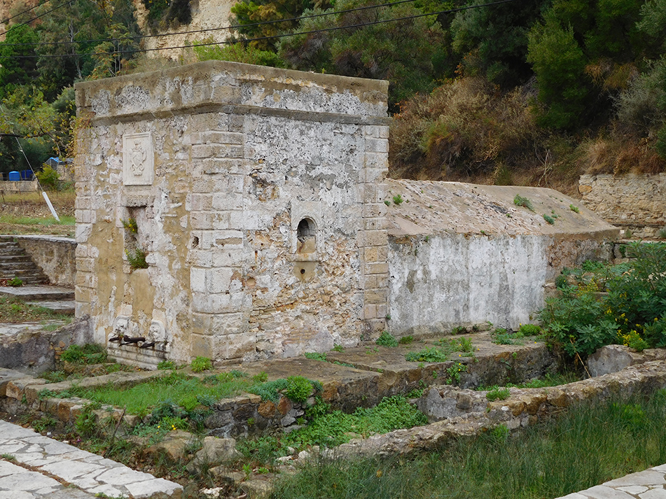 Built in the 16th century, the Venetian aquaduct on the outskirts of Zakynthos town supplied the whole town with water