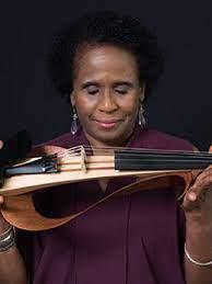 Violinist Nicole Yarling