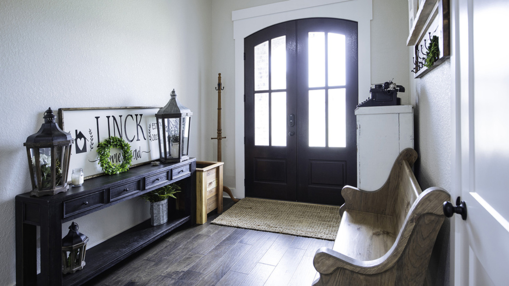 Real Estate Photography interior foyer, natural light, interior decor, interior design, welcome home.