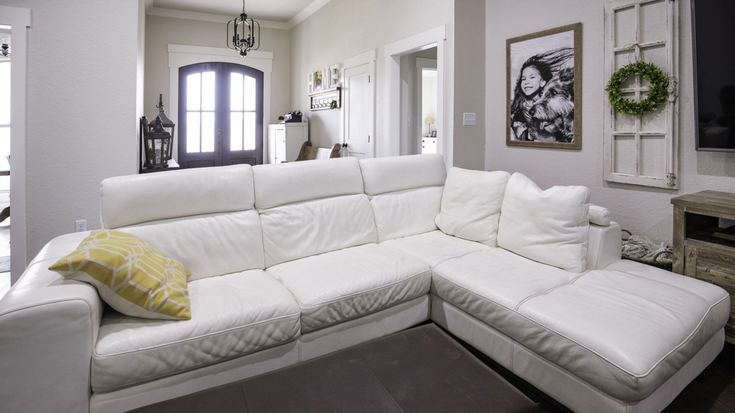 Real Estate Photography interior living room, foyer, natural light, interior decor, interior design.