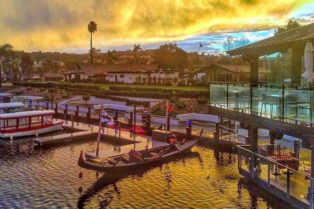 Lakehouse Resort | San Diego Gondola Company | Black Swan Gondola