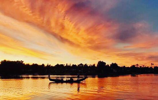 The Sunset Gondola Cruise   Sunset Boat Cruise