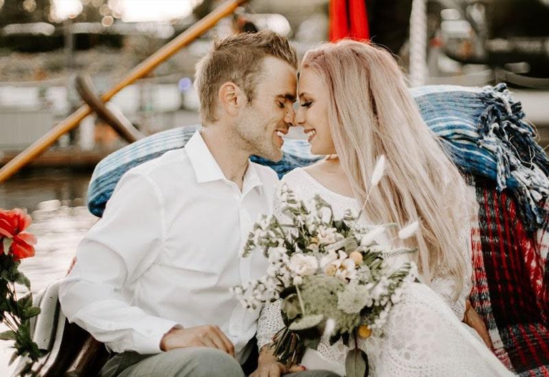 Wedding on a Boat | Black Swan Gondola Company